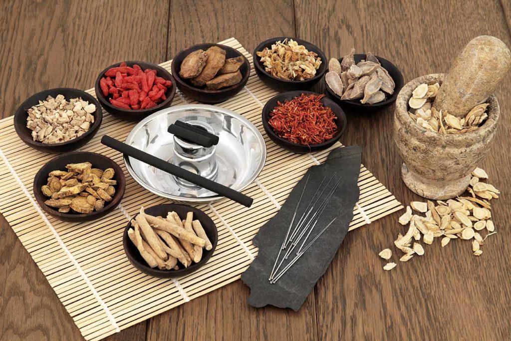 טיפולי הפריה חוץ גופית, דיקור סיני וצמחי מרפא