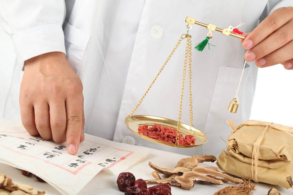 הגישה לטיפול ברזרבה שחלתית נמוכה ורמות FSH גבוהות ברפואה סינית